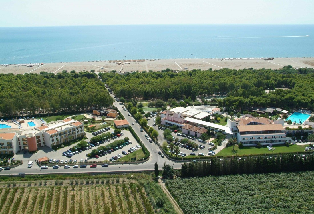 Villaggio giardini d 39 oriente villaggi basilicata dirotta da noi - Hotel villaggio giardini d oriente ...